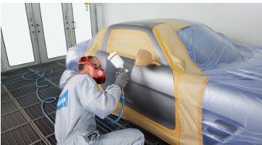 Lakování plastových dílů u automobilů - opravy poškozeného laku či jeho oživení