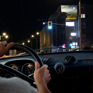 Profesionální renovace a rozleštění plastových krytů světel automobilů