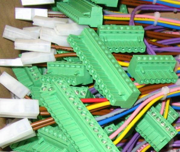 Kabelové svazky sériová i kusová výroba