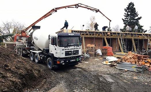 Čerpání betonu a betonových směsí až do výšky 32 metrů