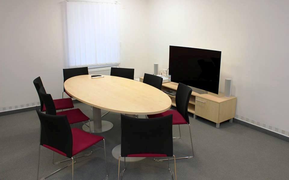 Fakulta veřejných politik otevřela specializovaná pracoviště – výukový byt a výslechové středisko