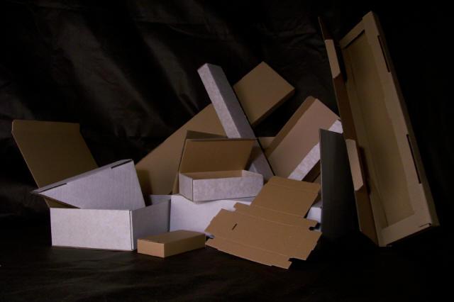 Výroba obalů, kartonáže a průmyslových krabic Příbram – i dortové a potravinářské