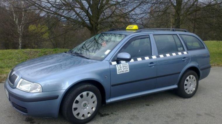 Taxi služba Jihlava - odvoz až pro sedm lidí v jednom voze na kratší i delší vzdálenost