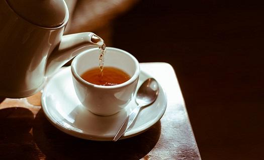 Prodej porcovaného čaje CAFE+CO TEA, Klasické černé čaje, zelené čaje a bylinné čaje a ovocné čajové směsi