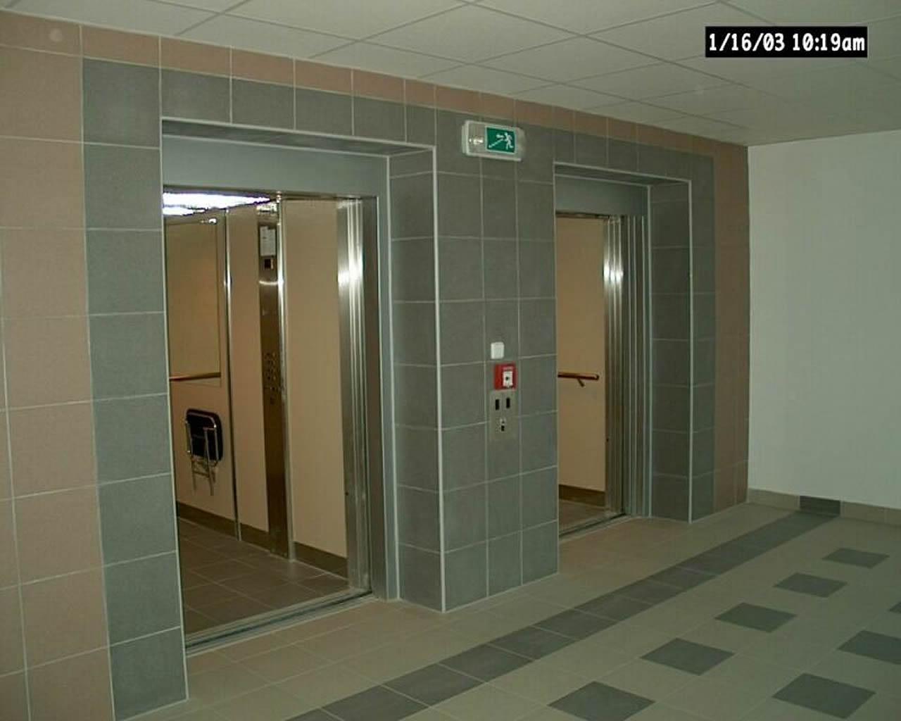 Lůžkové výtahy pro pohodlnější přepravu