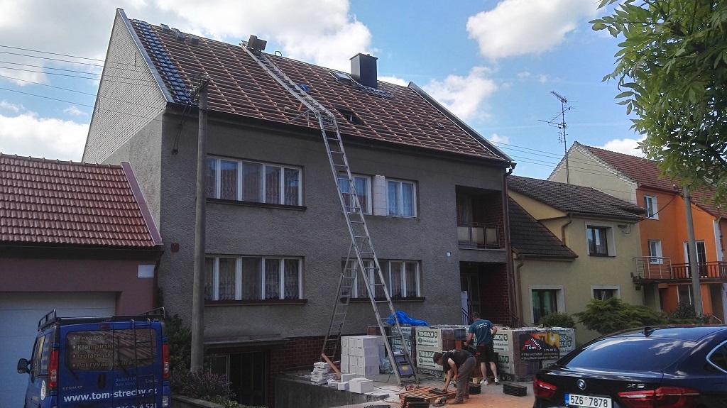 kompletní rekonstrukce střechy Uherský Brod