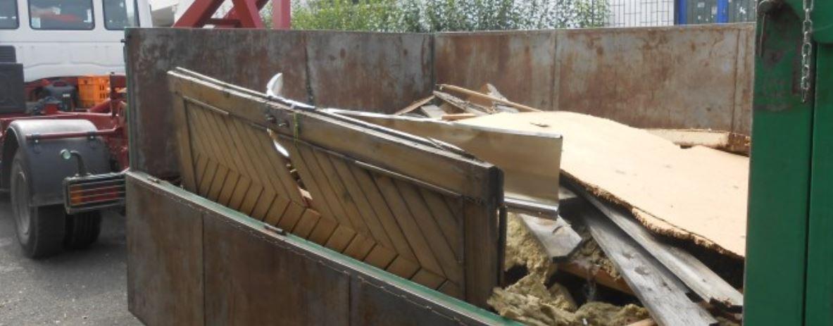 Likvidace a odvoz odpadu Praha -  úklid černých skládek, pronájem kontejnerů na stavební i bio odpad