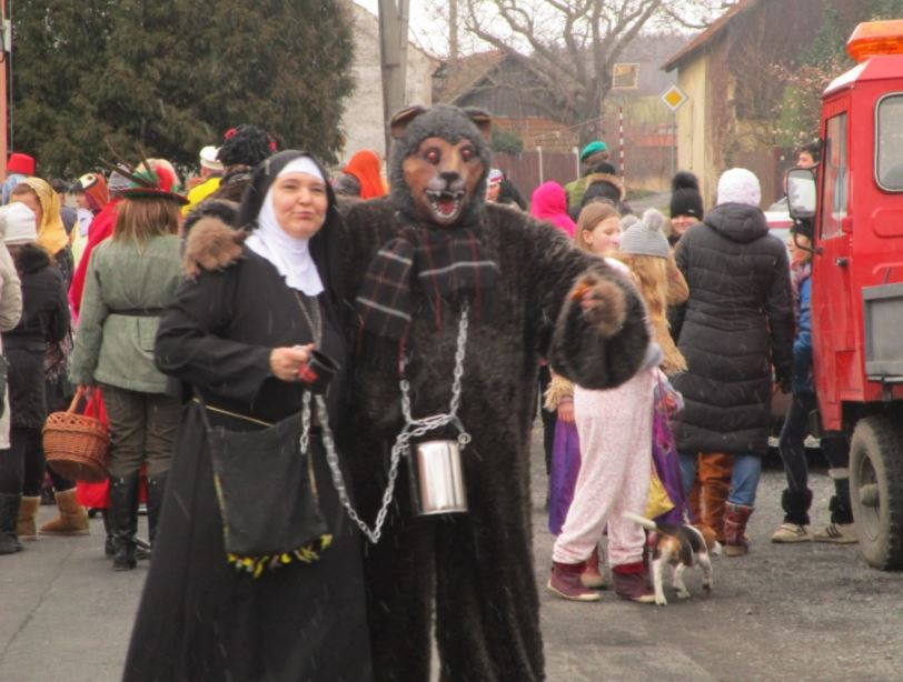 Každoroční kulturní akce, masopust, rybářské závody, obec Podbrdy
