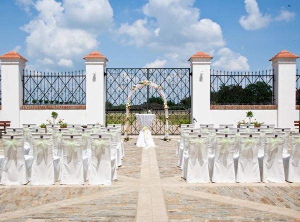 Dopřejte si svatbu na zámku jako v pohádce, včetně ubytování