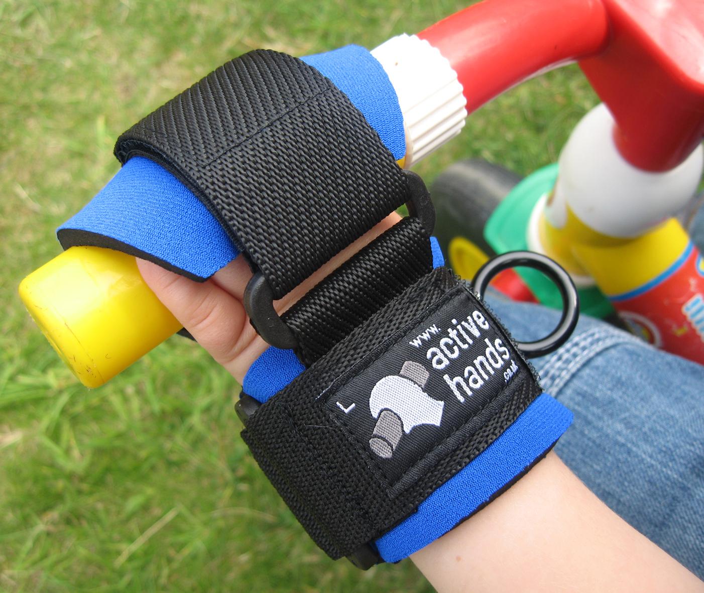 Úchopová ortéza Active Hands umožní držení řidítek kola