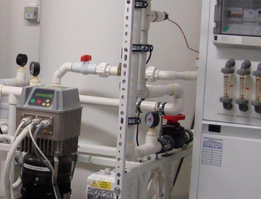 Komplety určené k přípravě vody pro farmacii