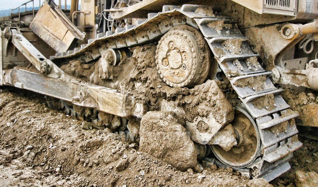 Prodej, oprava i servis podvozkové díly pro stavební stroje, pásové podvozky
