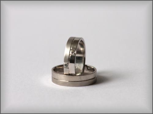 Zlatnictví, snubní a zásnubní prsteny, zakázková výroba jako záruka kvality a pravosti