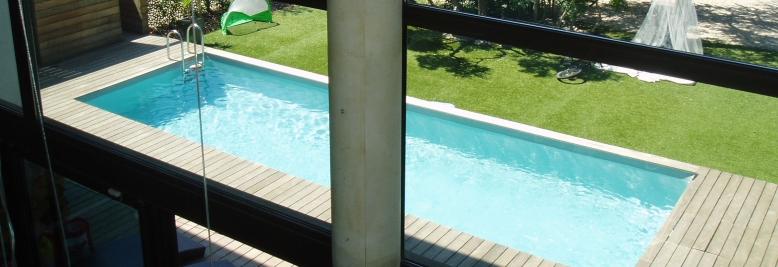 Sportovní plavecký bazén na vlastní zahradě díky firmě Bazény Desjoyaux - pro pohodlné plavání
