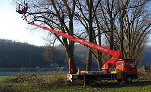 Specialisté na výškové práce Ústí nad Labem – opravy a demolice ve výškách, pronájem plošin