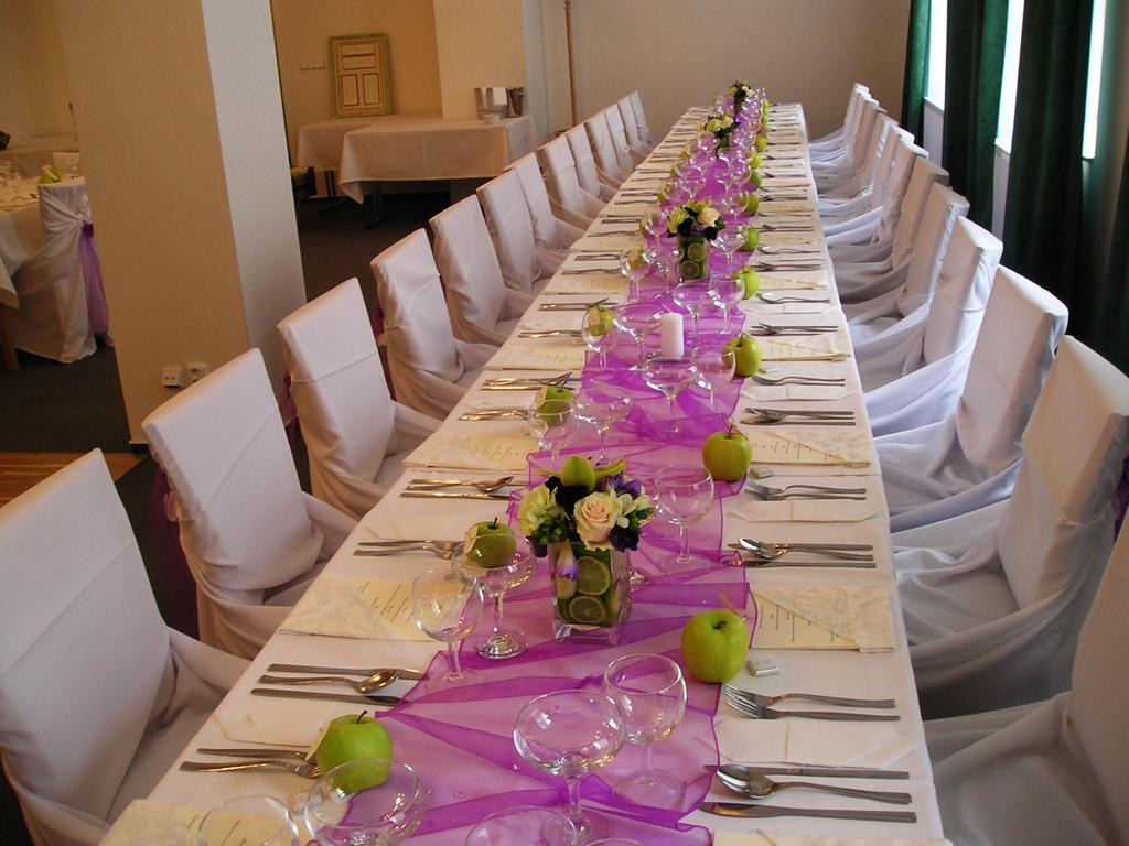 Wedding at Castle Hotel Lednice with a luxury accommodation, wedding day as in a fairy tale