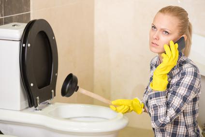 Tlakové čištění kanalizace včetně revize, spolehlivé čištění ucpaných bytových odpadů