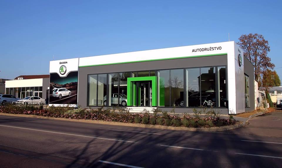 Autoopravna a autolakovna poskytuje kompletní servis motorů a služeb