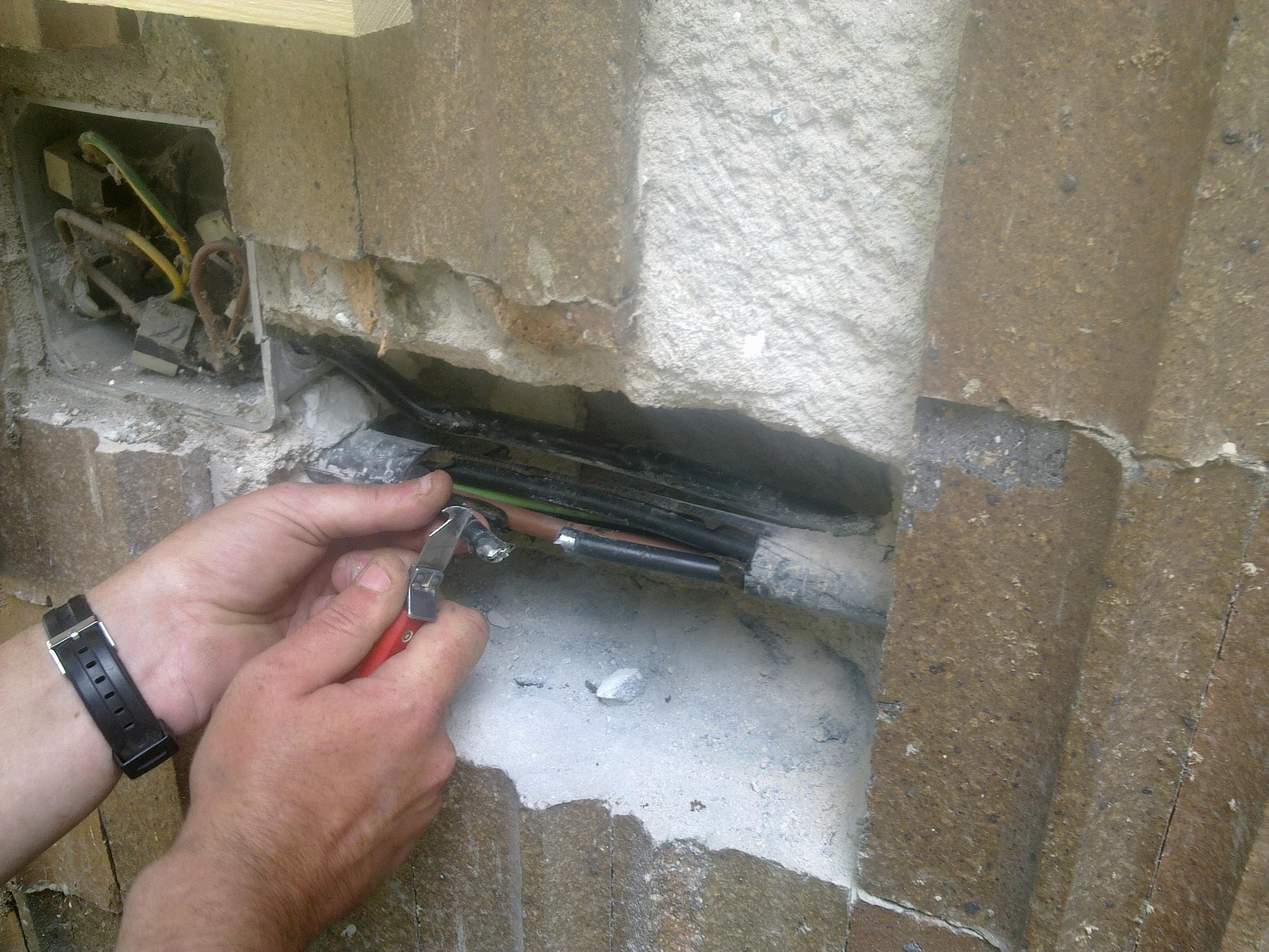 Rozvody elektřiny u novostaveb a dřevostaveb Nový Bydžov - Zajistíme veškeré revize i dokumentaci