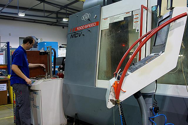 Specializovaná nástrojárna Lanškroun - výroba, zpracování a oživení tvářecích nástrojů