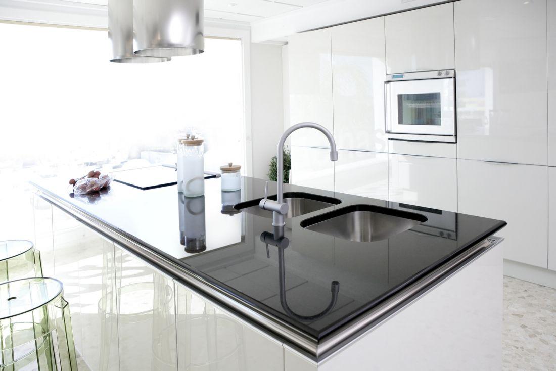 Moderní kuchyně na míru Brno