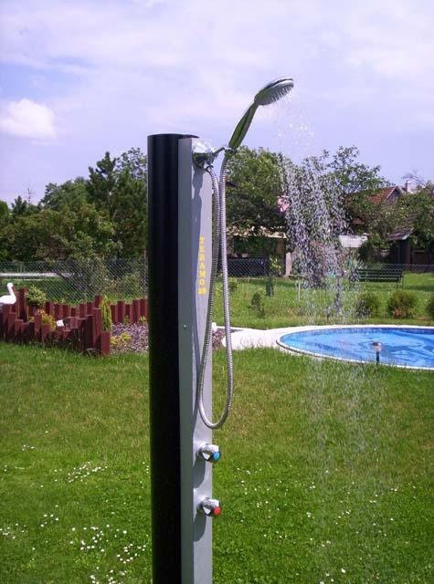 Solární zahradní sprcha Teramo Borovnička – hliníková nádrž pro rychlý ohřev vody