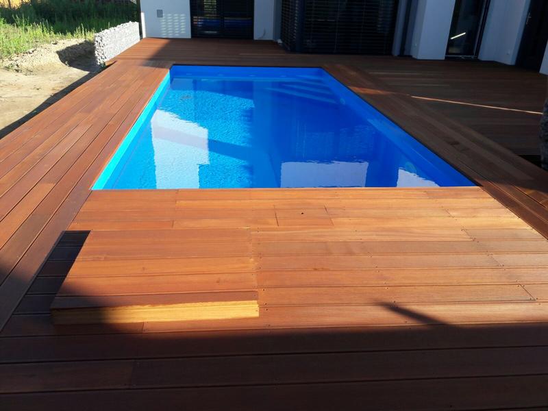 Bazén hranatý