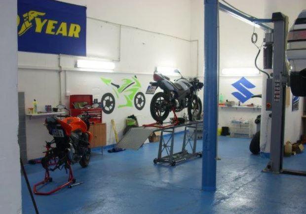 Opravy, servis, tuning motocyklů Praha