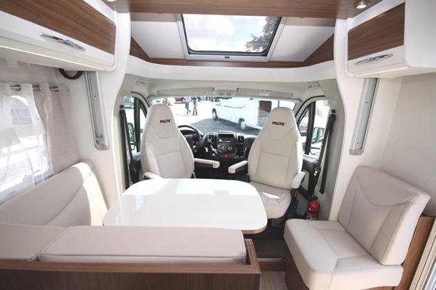 Obytné luxusní vozy prodej Praha – svoboda cestování bez omezení