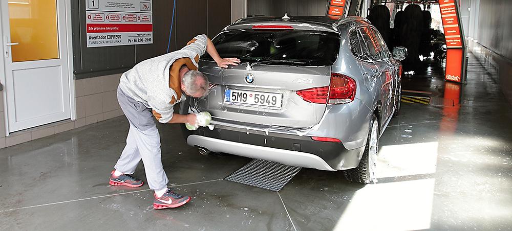 Profesionální čištění vozů