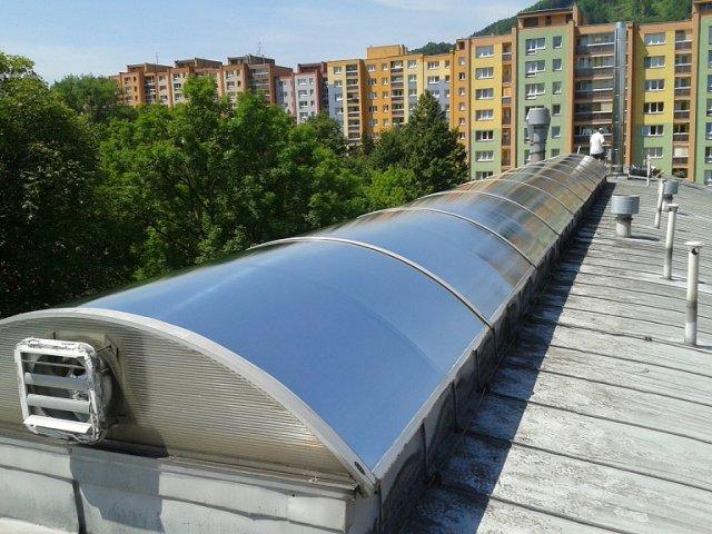 Protisluneční okenní fólie Brno - účinné zamezení přehřívání interiérů