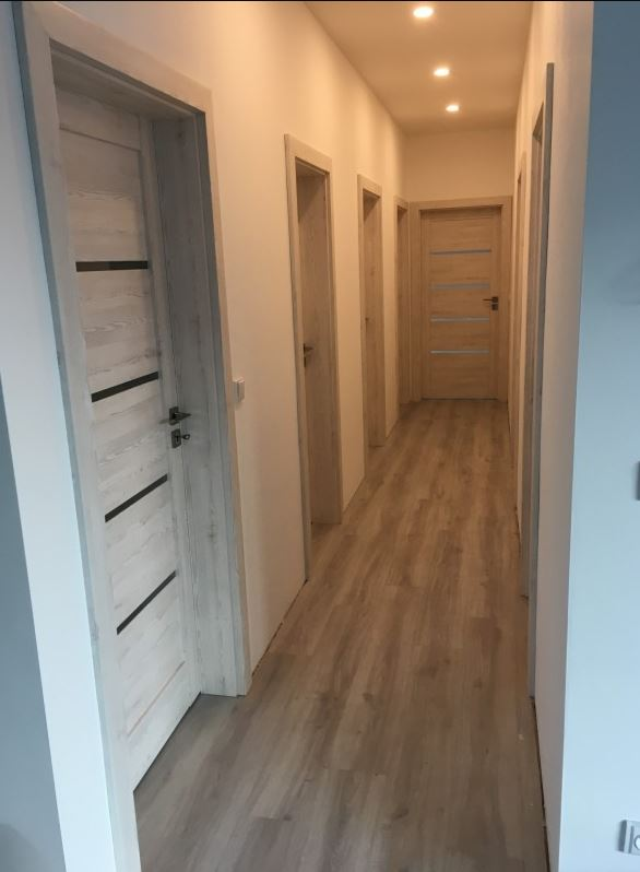 PVC, plovoucí, laminátové, dřevěné, vinylové podlahy