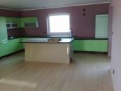 Podlahy plovoucí laminátové, dřevěné i vinylové, vzorkovna a prodej