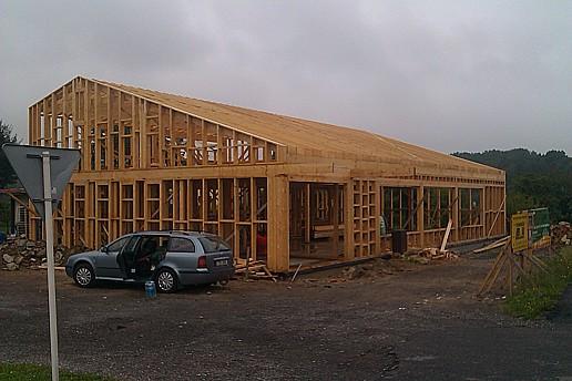Tesařské práce, konstrukce dřevostaveb, krovů, pokládka podlah