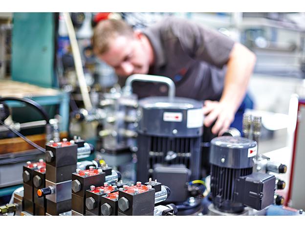 Řídicí a regulační technika pro hydraulické systémy, filtrační technika pro mazací systémy
