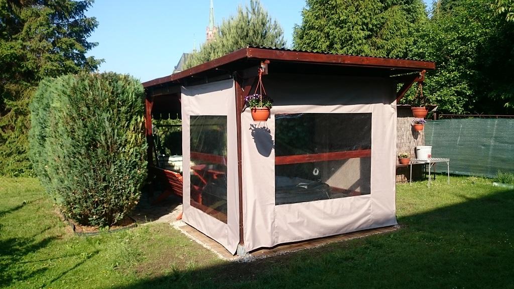 Precizní šití plátěné stříšky na zahradní houpačku, výroba plachet na altán