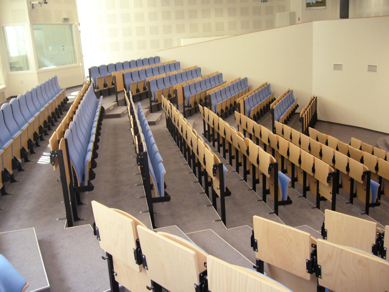 posluchárna Vysoká škola Bratislava