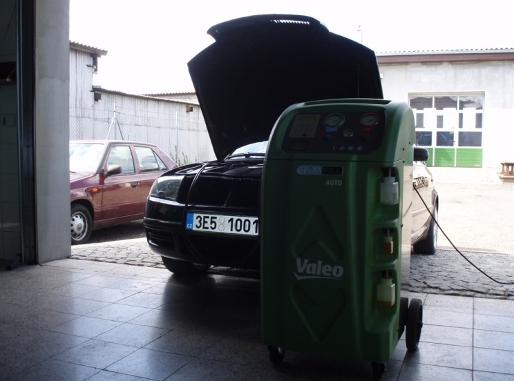 Kvalitní služby autoservisu a pneuservisu Chrudim