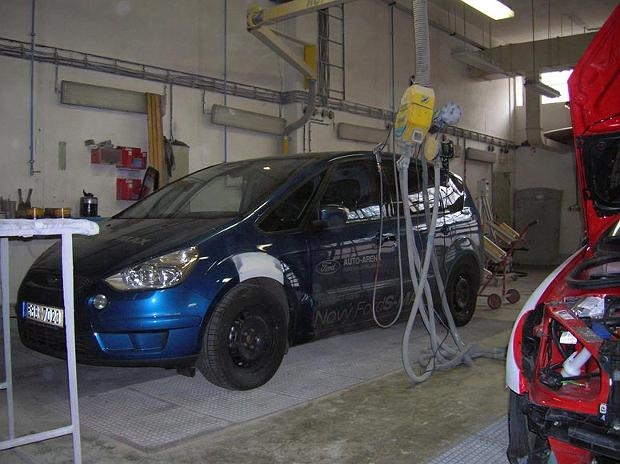 Opravy havarovaných vozů Liberec