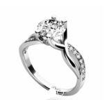 Nechte si u nás vyrobit Vaše snubní prsteny na zakázku jako vzpomínku na Váš velký den