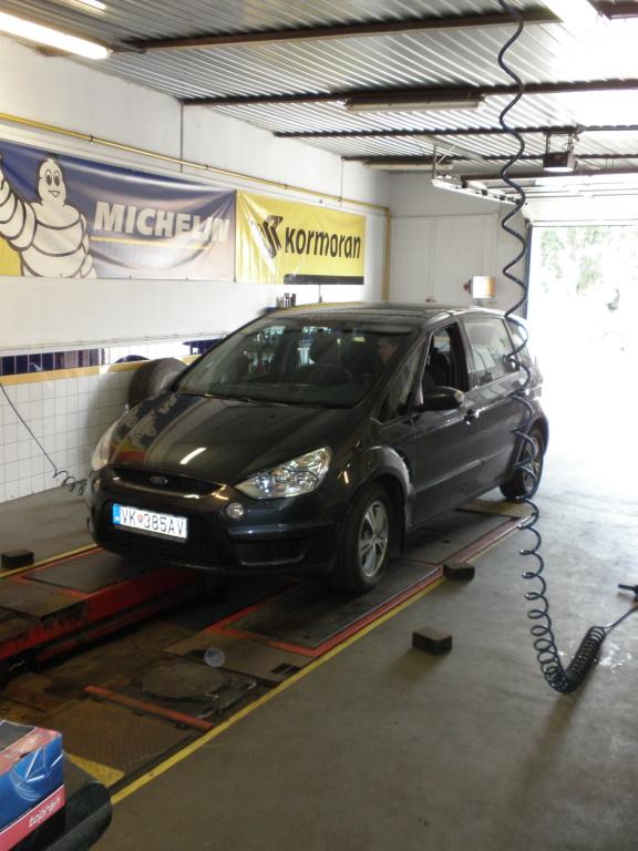 Ruční mytí automobilu - kompletního vyčištění interiéru aut