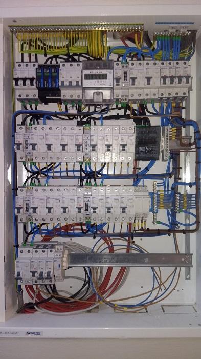 Odstranění poruch na elektroinstalaci – nepřetržitý havarijní servis