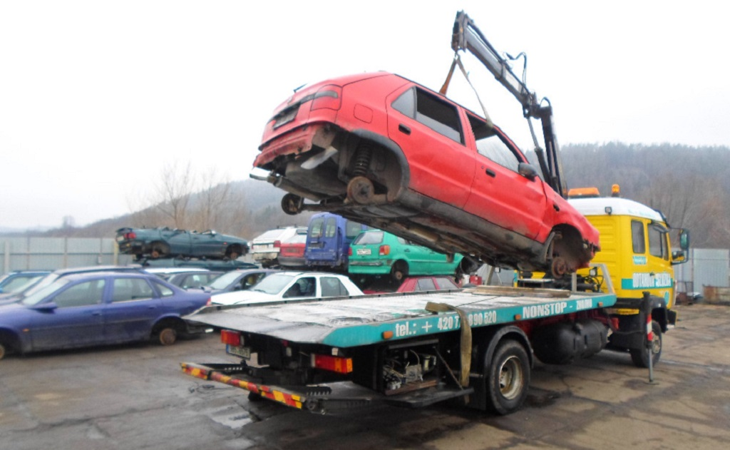 Odtahová služba s hydraulickou rukou osobních a dodávkových vozidel - rychlá pomoc při poruše vozidla