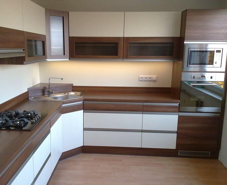 Kvalitní kuchyně na míru s 3D návrhy a poradenstvím