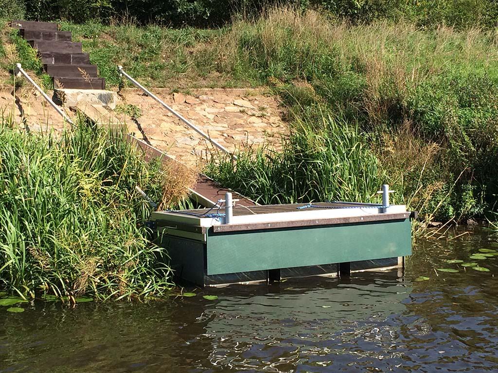 Plovoucí mola Velim - Vyrábíme plovoucí mola pro kotvení lodí