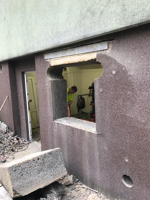 Profesionální řezání betonu i panelu – vyřezávání otvorů pro okna a dveře