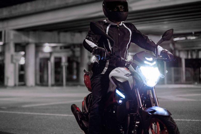 Moto UM125 červenočerná