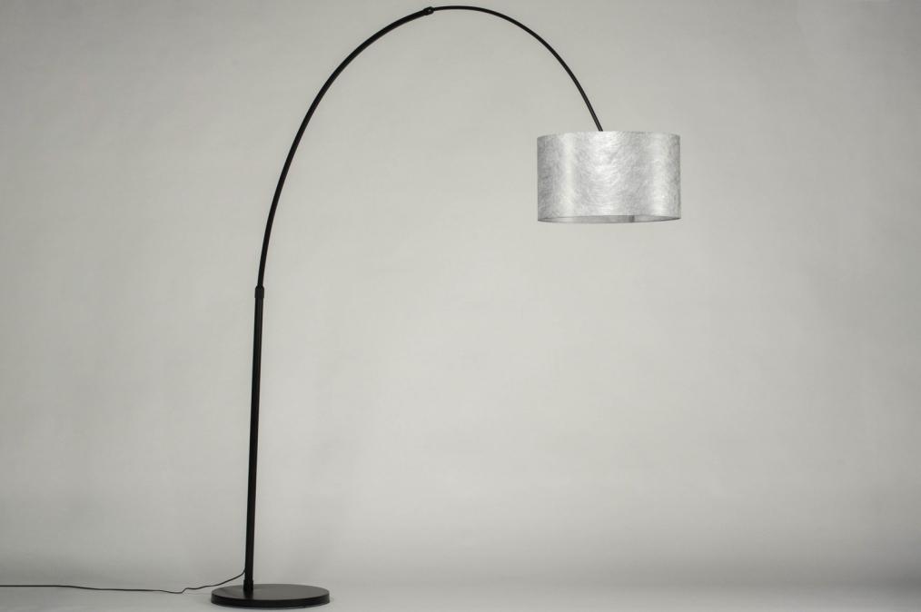 Moderní stylové stojací lampy a svítidla pro Váš útulný domov