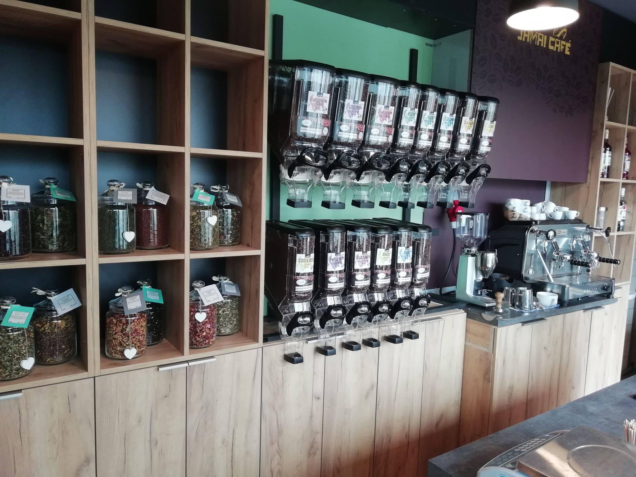 Kavárna, pražírna kávy - čerstvě pražená, kvalitní káva, domácí dezerty
