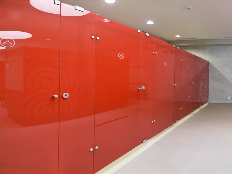 Montované skleněné WC kabinky, převlékací kabiny, zástěny